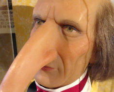 Wax figure of Thomas Wedders, at the Ripley's Odditorium in London. Photo by Marc Hartzman.