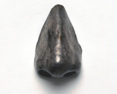 Artificial nose, 17th-18th century, made of plated metal. Such noses would have been made to replace an original, which may have been congenitally absent or deformed, lost through accident or during combat or due to a degenerative disease, such as syphilis. By Science Museum London / Science and Society Picture Library [CC BY-SA 2.0 (https://creativecommons.org/licenses/by-sa/2.0)], via Wikimedia Commons