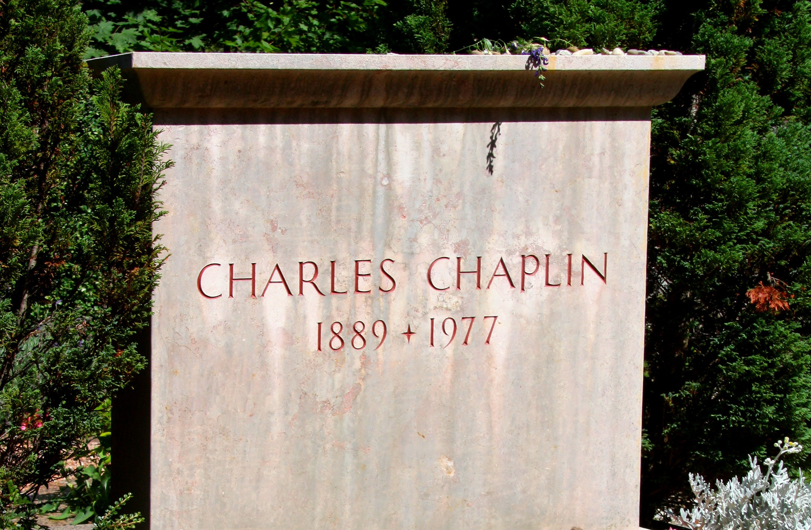 Watch Charlie Chaplin (1889?977) video